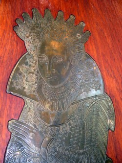 Photograph of the upper half of the effigy of Dame Margaret Chute