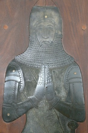 Photograph of upper part of the effigy